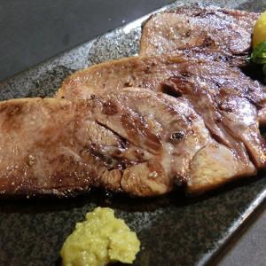 大トロ牛タン塩焼き924円2